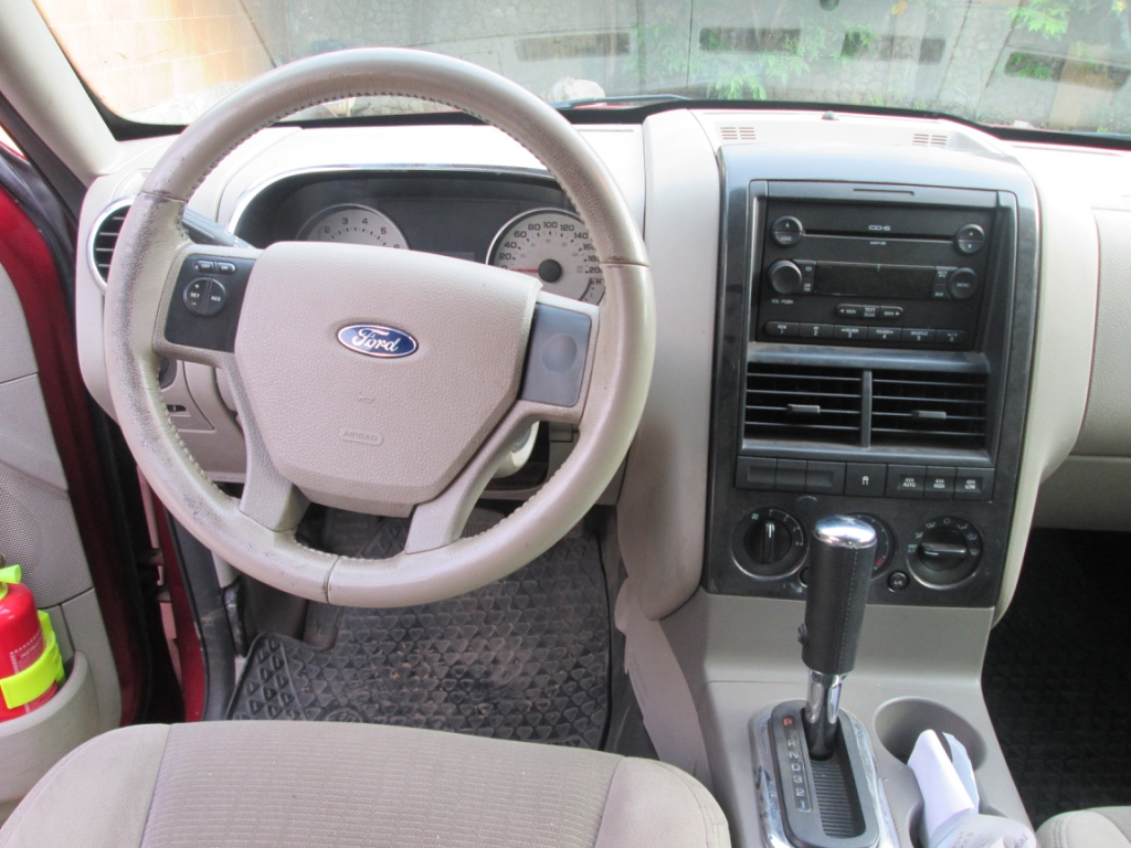 ford-explorer-volant