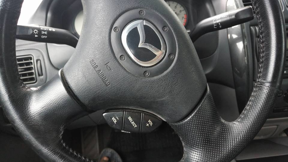 mazda-volant