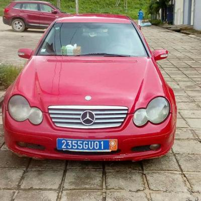 Mercedes_rouge