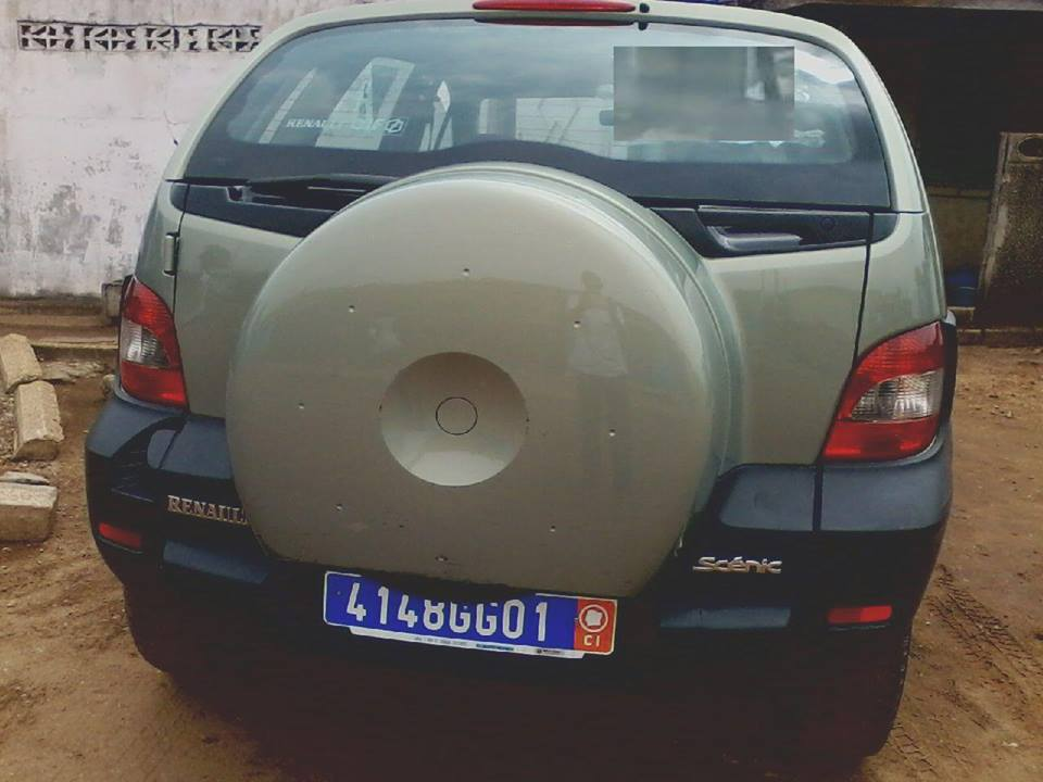 RENAULT SCENIC RX4-arriere