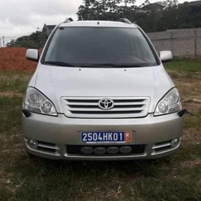 Toyota-avensis-verso