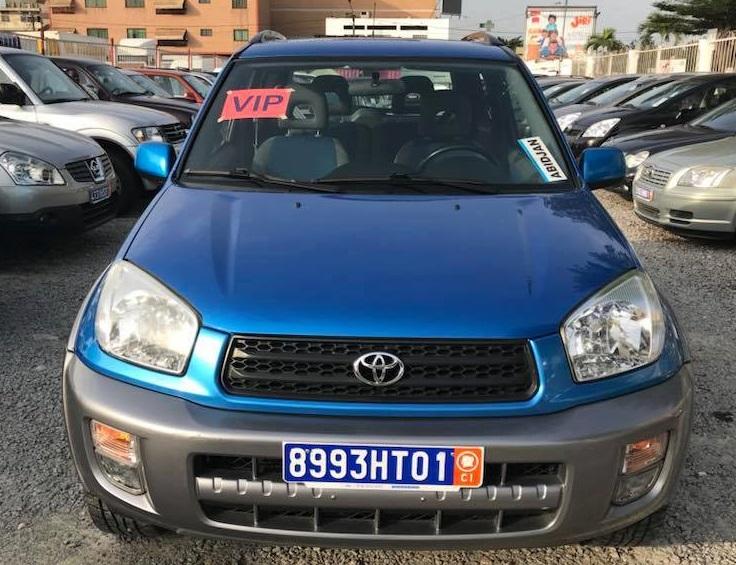 Toyota rav4 bleu face